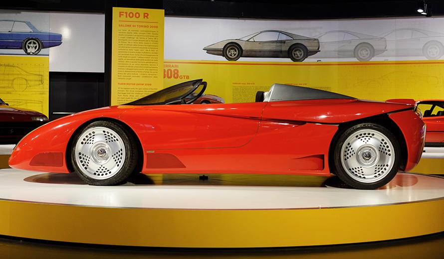 The Ferrari F100 R car vehicle mounting Fergat (now MW) wheels.